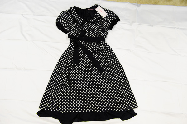 很显清纯的一款连衣裙.