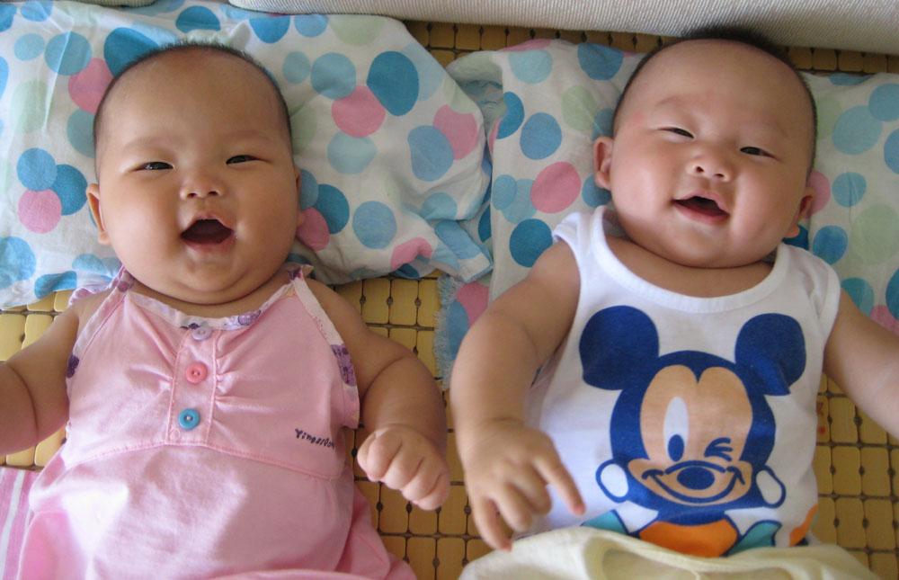 可爱宝双胞胎宝照片大全