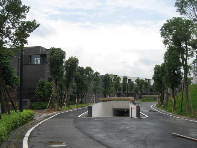 """""""悦水庄""""的地下车库"""