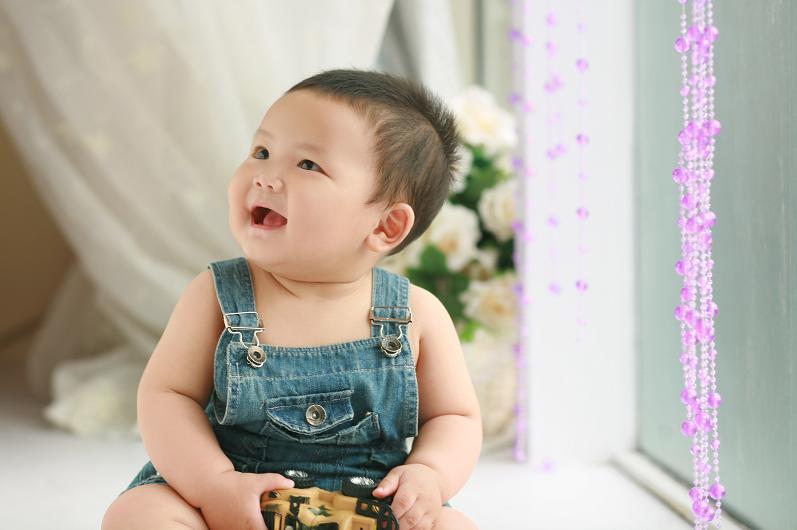 征集0-1岁可爱宝贝做胎教美图.酬金500元每张!