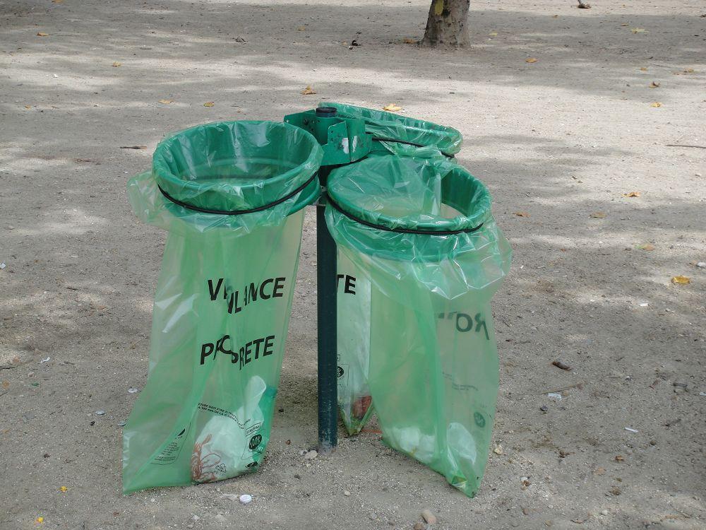 巴黎没有垃圾桶