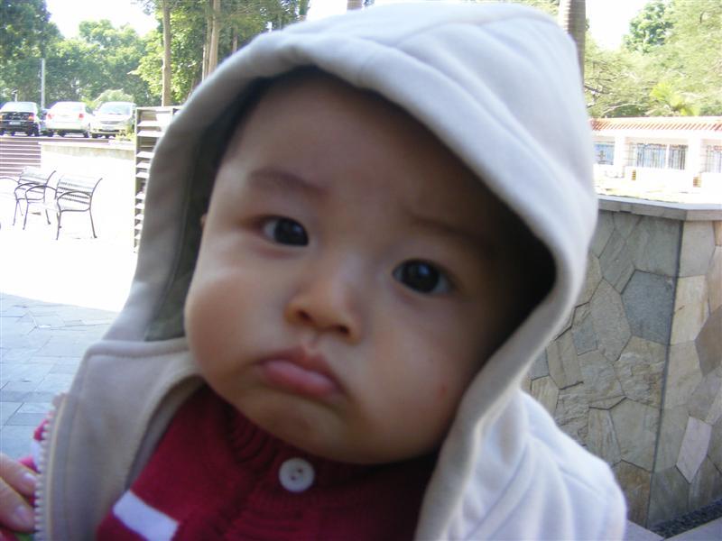 撅嘴图片可爱宝宝
