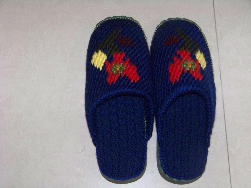 毛线钩拖鞋图案图解你可以去编织人生论坛,里面有教程,因过年明天