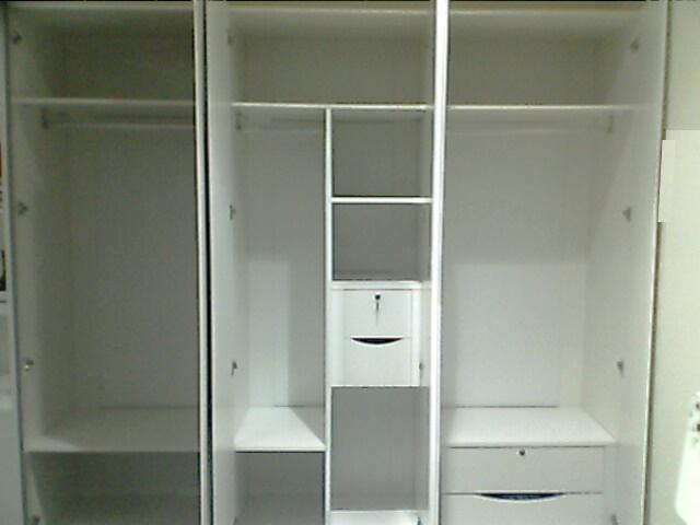 6门衣柜内部