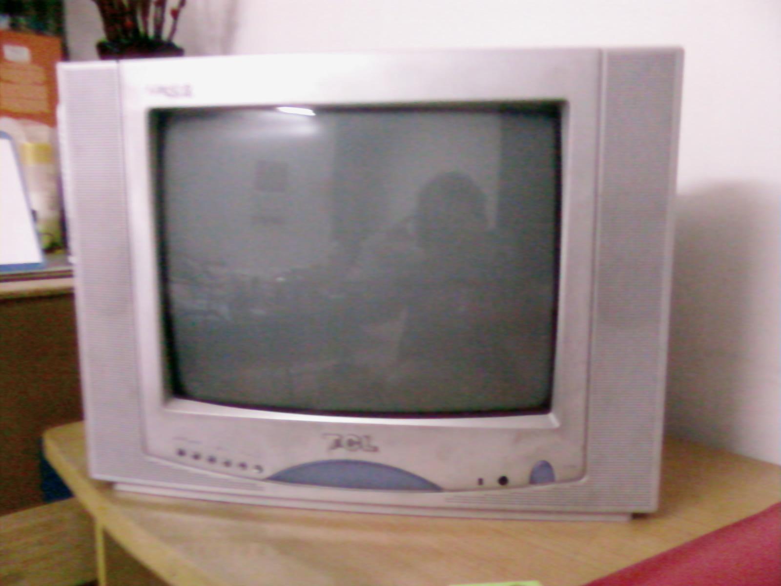 自用14寸tcl彩色電視機轉讓,發票齊全,¥100