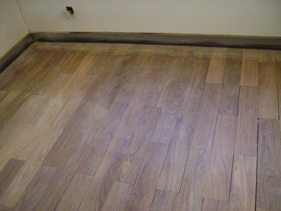 木地板打磨翻新,效果可比新木地板