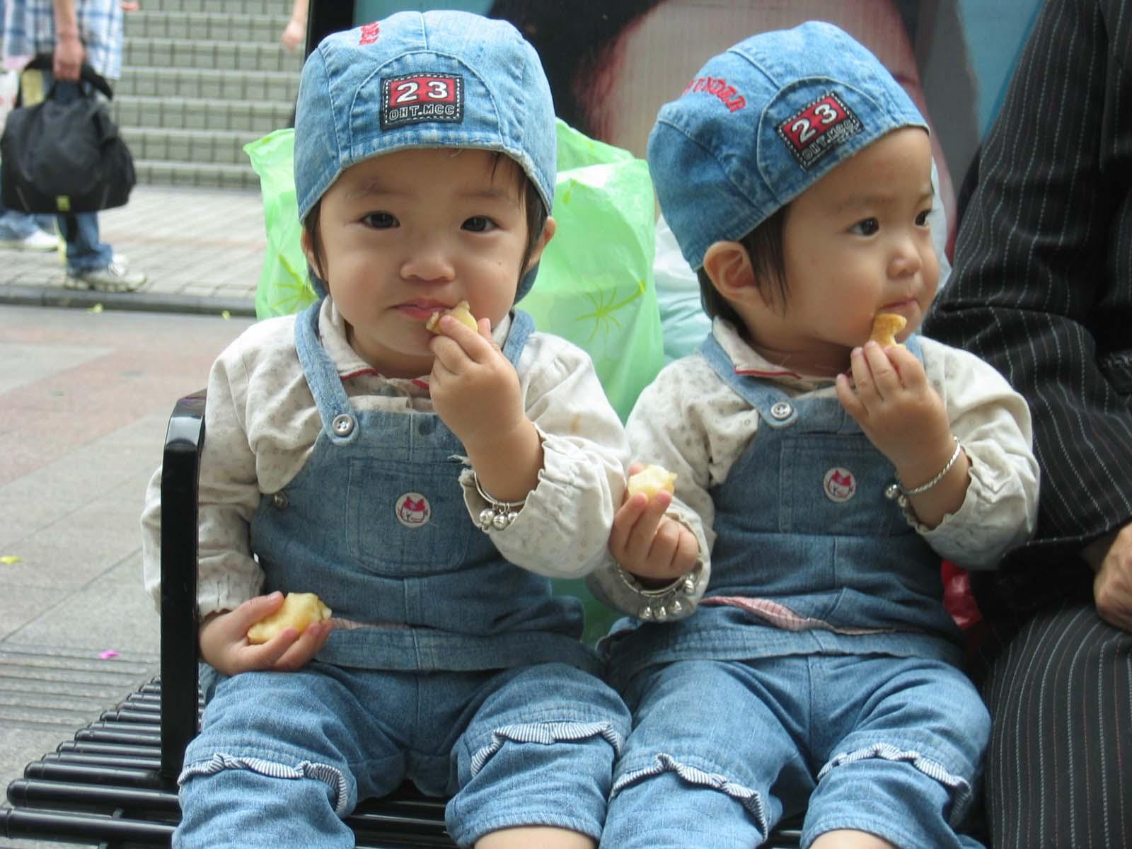 双胞胎姐妹小1 - 一壶清茶 - 一壶青茶-----欢迎你!