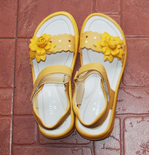 新儿童女凉鞋36码和37码各一双