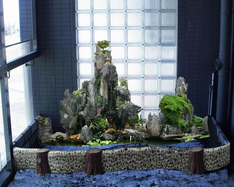 室内欧式假山水池图片