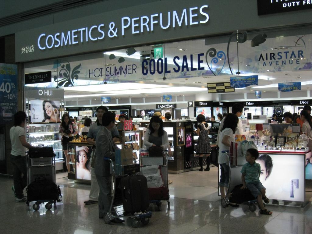 1月韩国免税店销售额大增 得益于中国代购群体增加