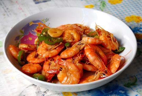 > 简单的家常湘菜—湘式基围虾,小炒猪肝