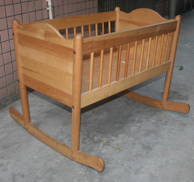 超可爱的实木婴儿床150关内可送货