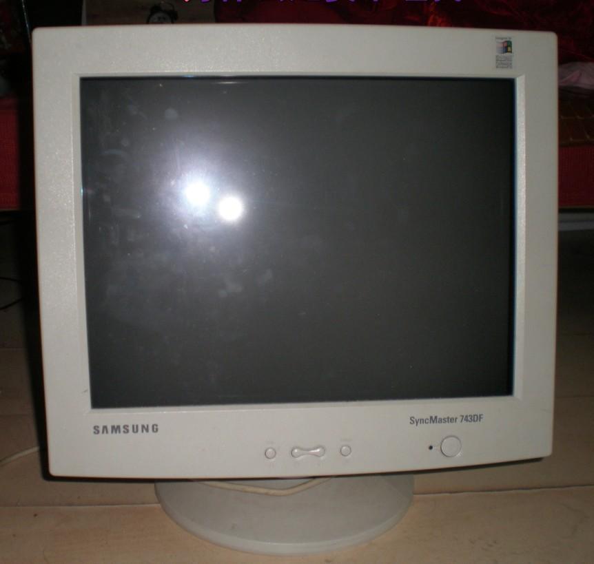 南山_三星17寸crt纯平显示器syncmaster 753df_自用两年半_100元或换