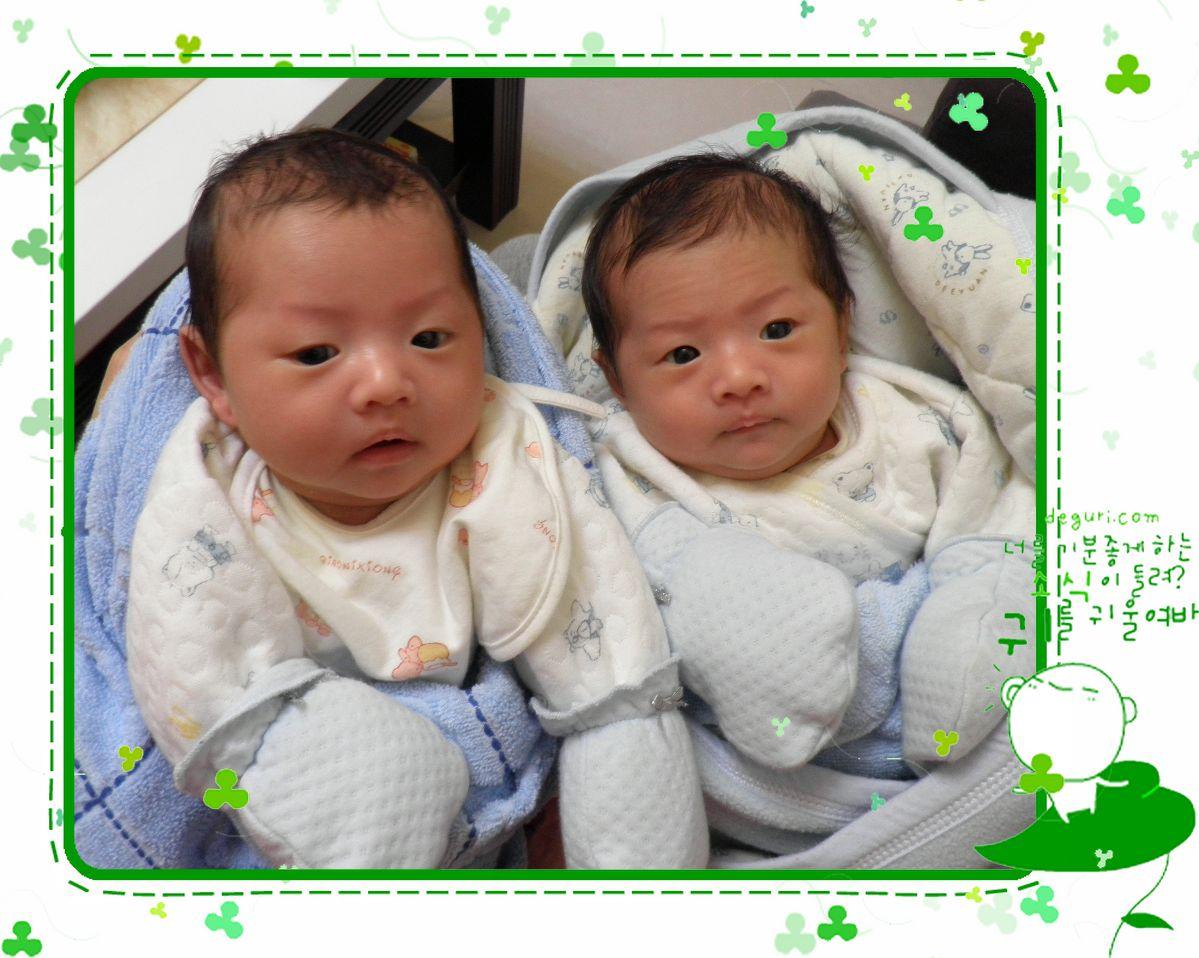 > 俺的干儿子~~~双胞胎哦!照片持续更新中