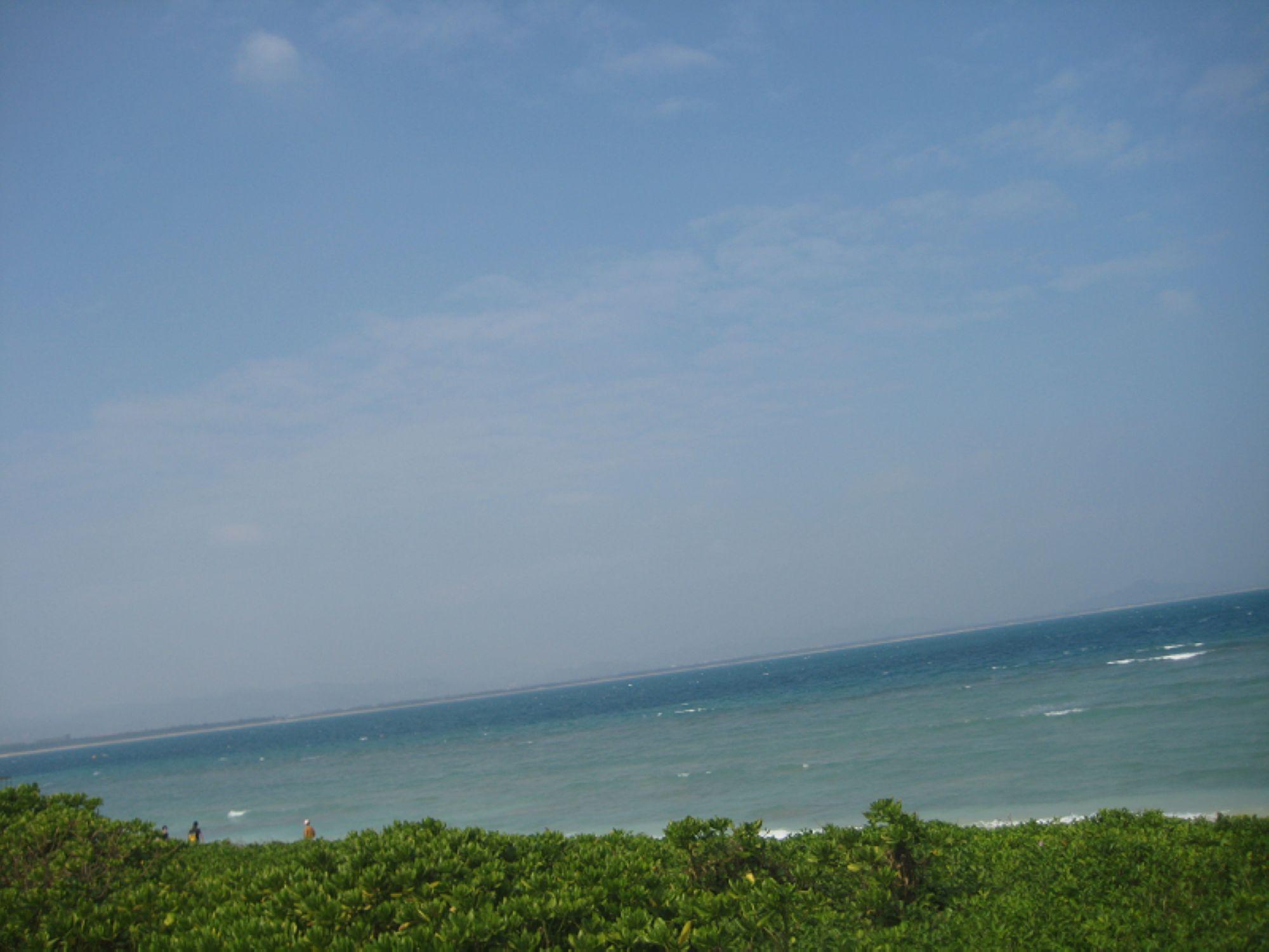 阳光下的蜈支洲,碧海蓝天
