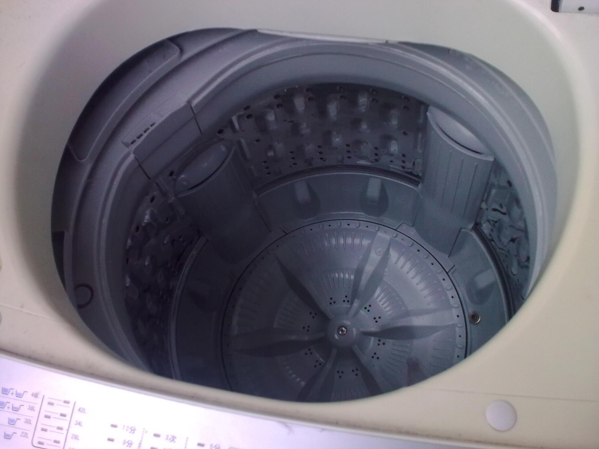 半价转让七成新小天鹅xqb50-290g洗衣机