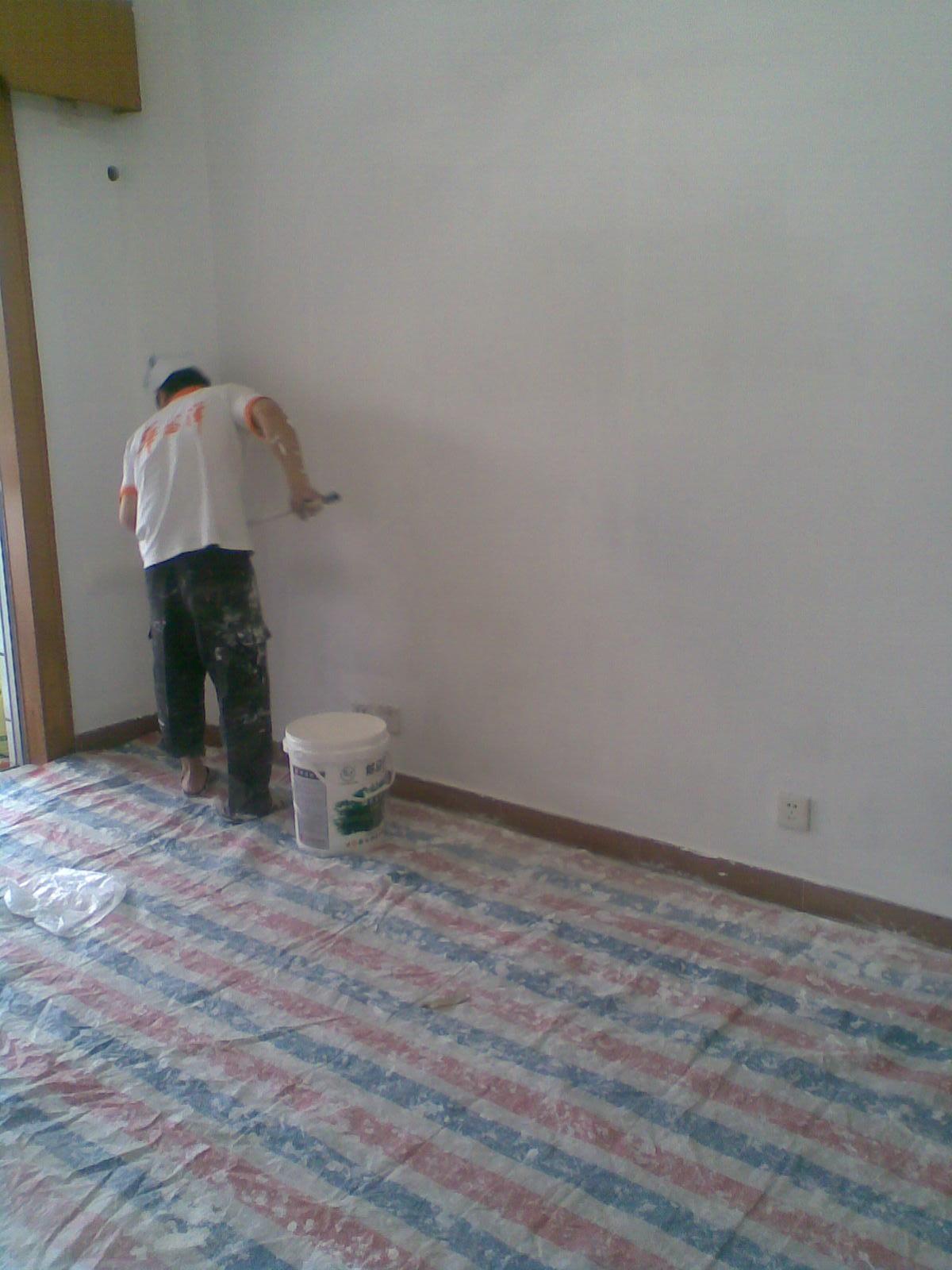 > 专业家具木器油漆施工,旧家具翻新改色,木地板机器打磨上油漆.