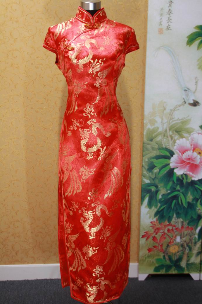 红底金色花纹