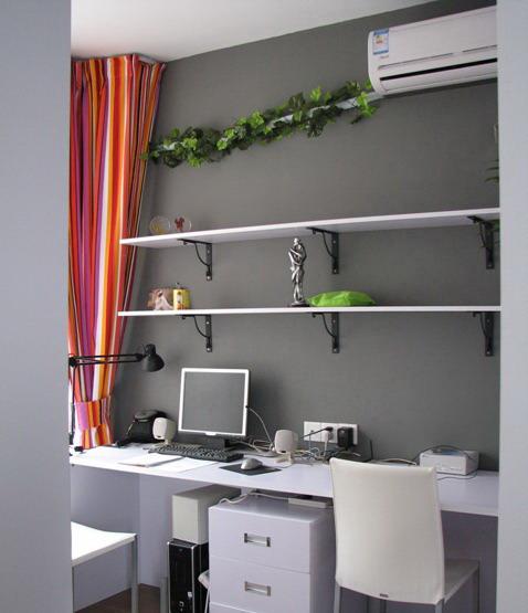 木工制作:    门套,衣柜,鞋柜,酒柜,吊柜,电视柜,厨柜,床,木吊天花等