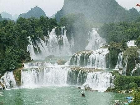 [春节]连南三排瑶寨,连州瑶族篝火晚会,英西峰林等旅游景点两天团