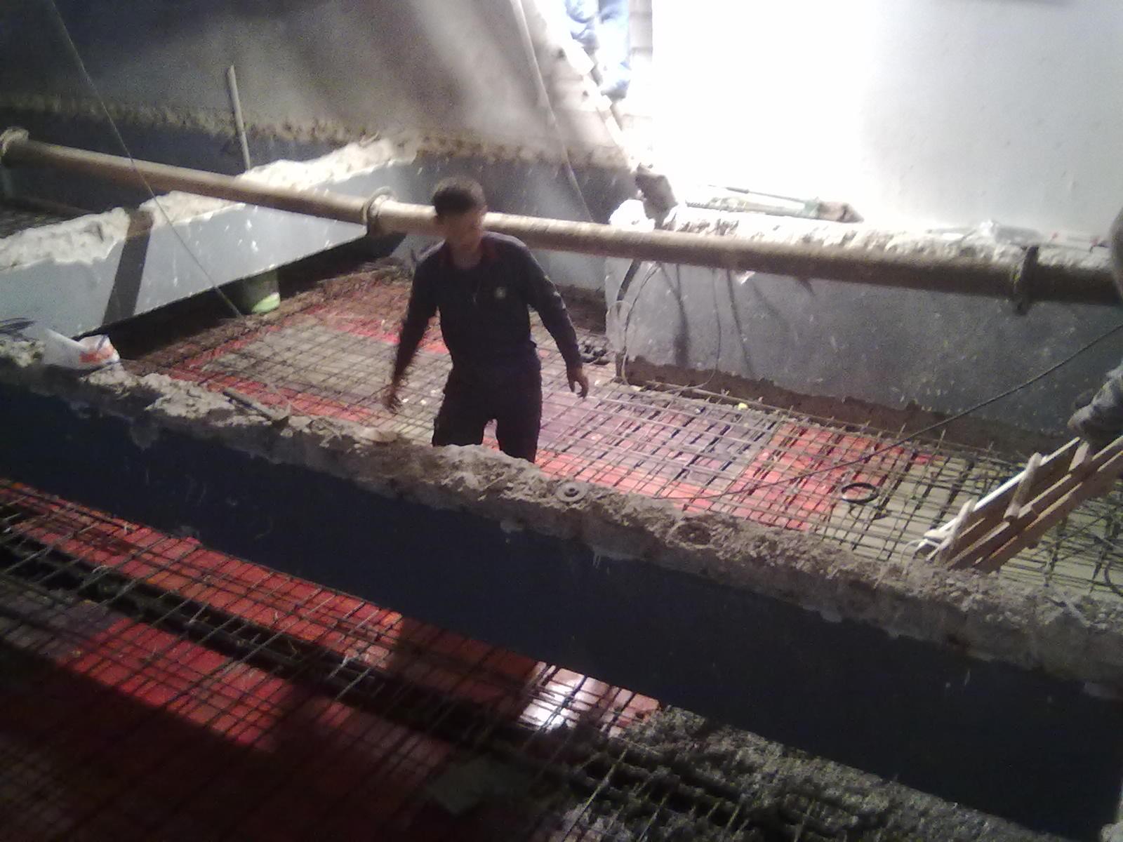 混凝土楼板整层扩建施工照片