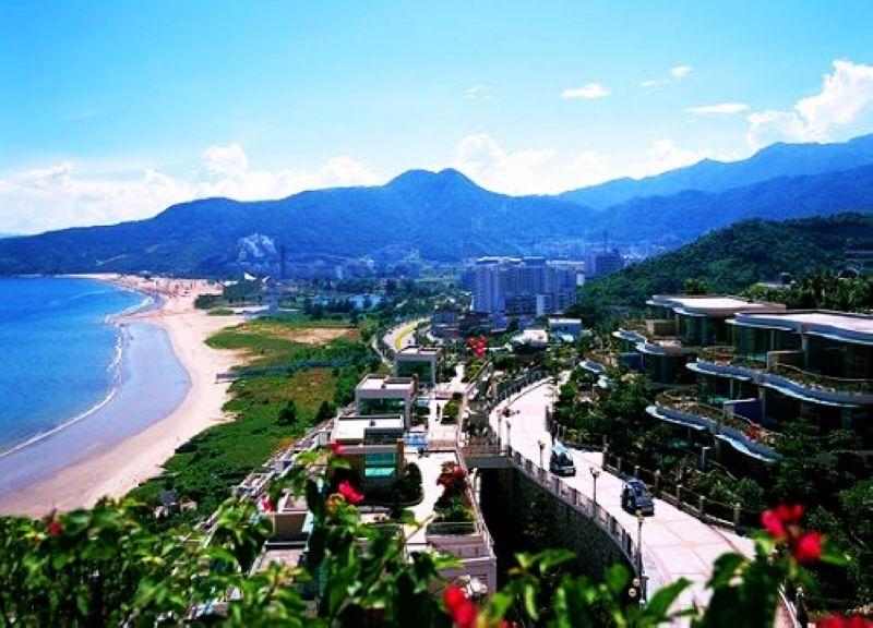 拥有270度半岛全海景,自然山海景观堪称气吞万里,海纳百川.