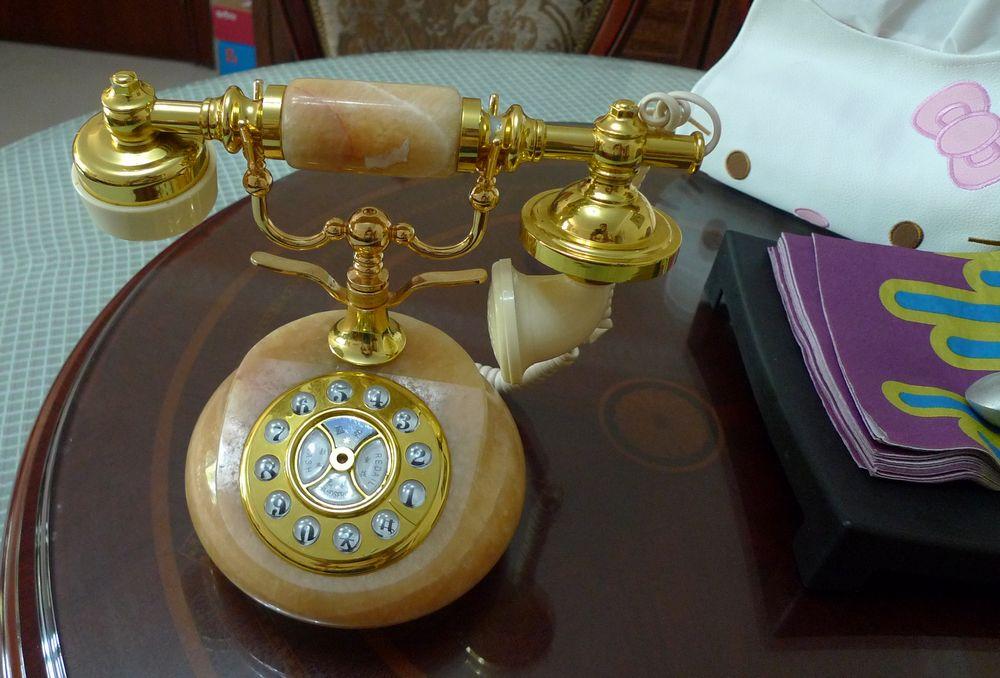 转粉嫩q版女孩书桌,大理石电话机,古筝,旅行桌椅,干衣