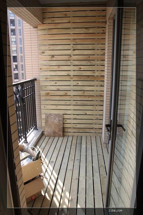 阳台木制花架贴墙