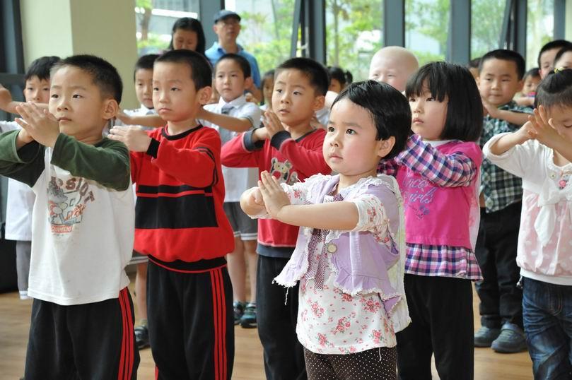 > 君悦龙庭幼儿园的小朋友去参观东北师大附属益田小学啦,快来看看有