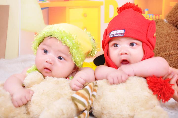 我家双胞胎宝宝照 - 深圳房地产信息网论坛