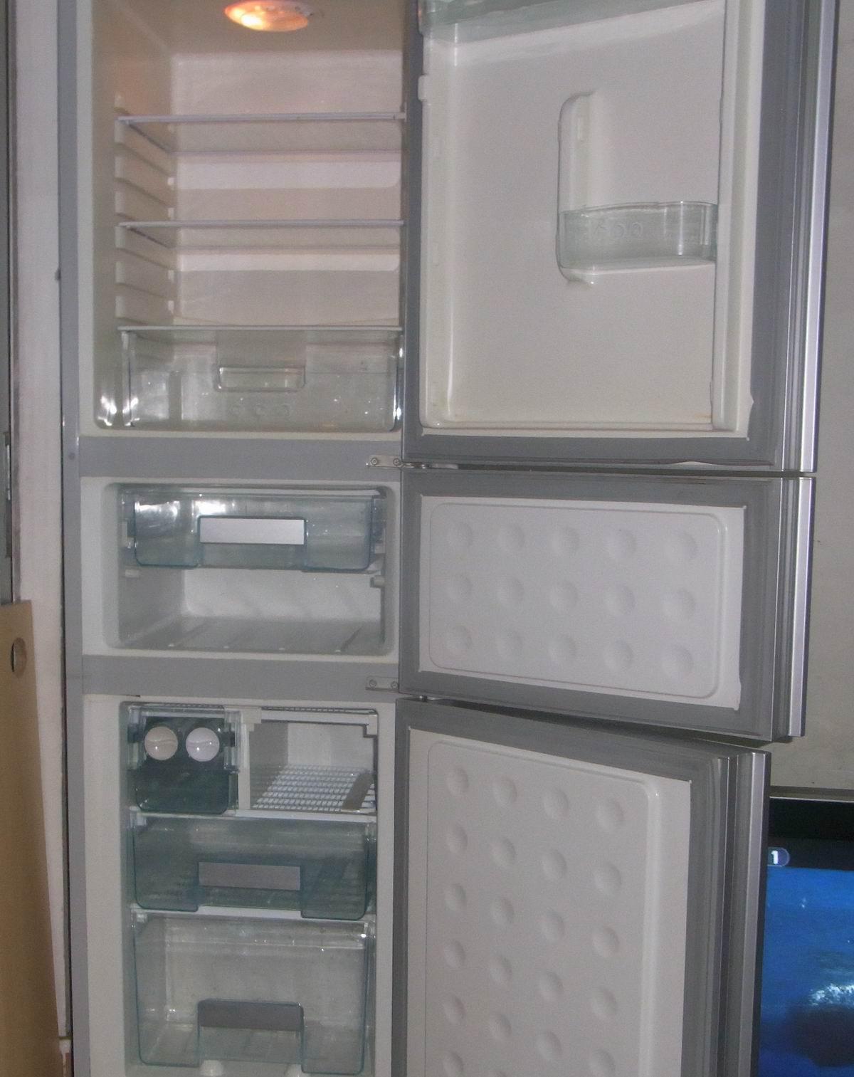 熊猫电冰箱.