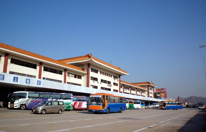 深圳湾口岸;坐飞机来深圳的客人可在深圳湾口岸