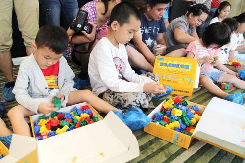 创意盛宴 快乐体验——记一次孩子家长都喜欢的多芬积木亲子活动