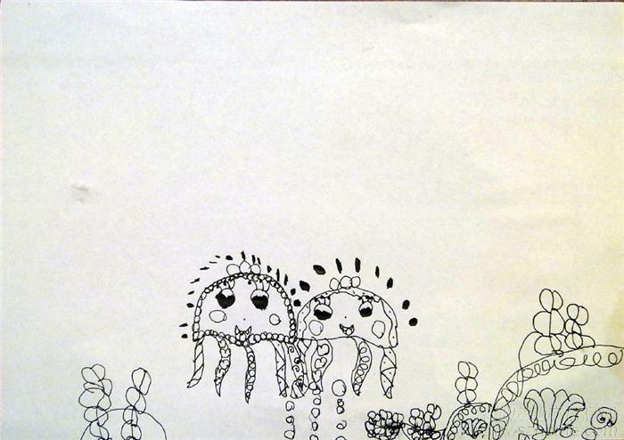 水母和鱼简笔画