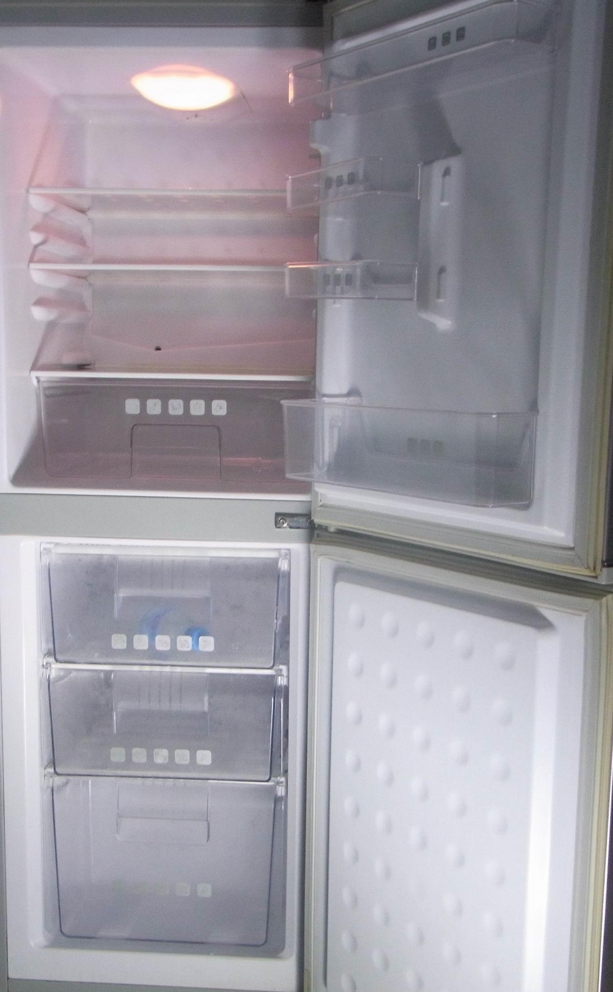 海尔冰箱排水孔疏通图解