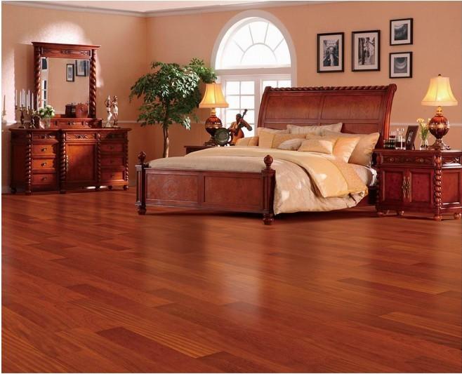 哪里有自然铺贴的实木地板效果图?