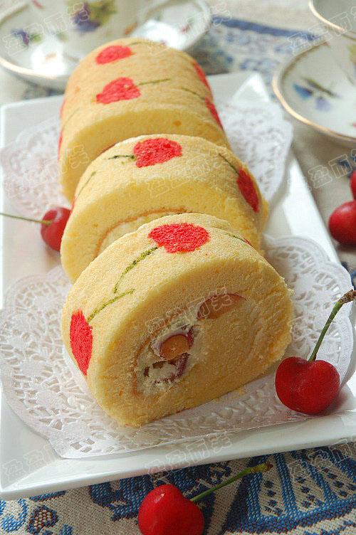 在蛋糕上画画 手绘樱桃蛋糕卷