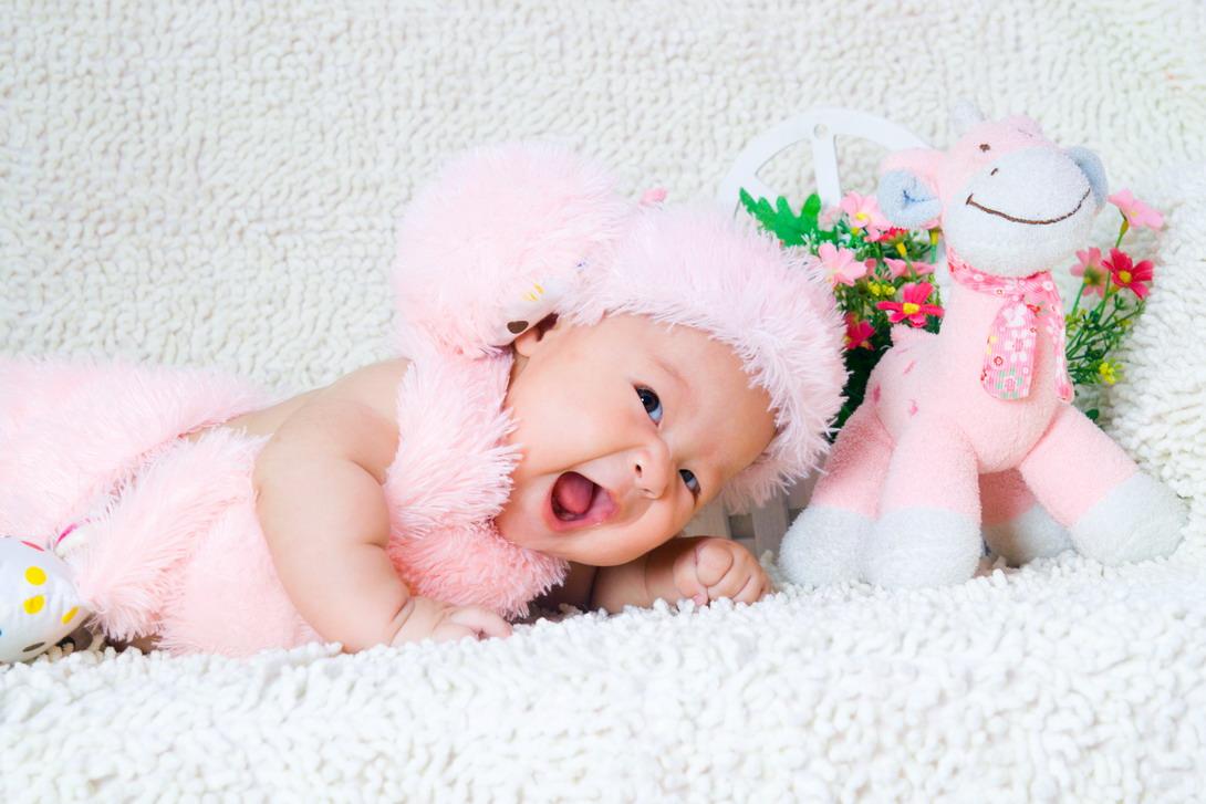 超级可爱宝宝百天照