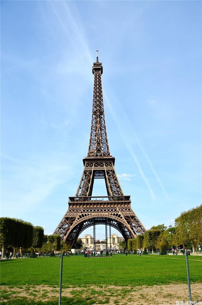 性建筑--埃菲尔铁塔
