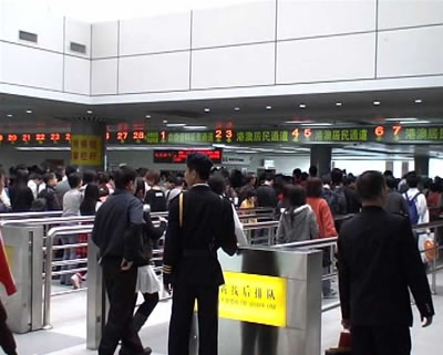 团队旅游L签注从深圳宝安机场去香港怎样过关
