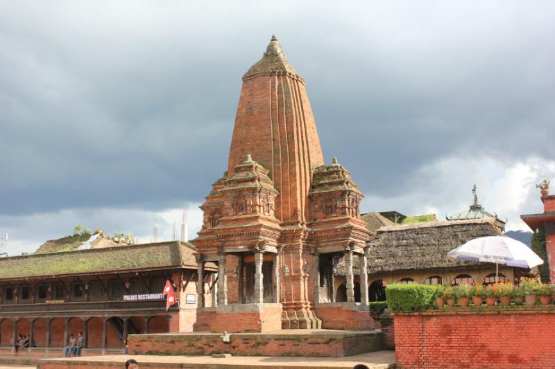 成都去尼泊尔旅游要多少钱