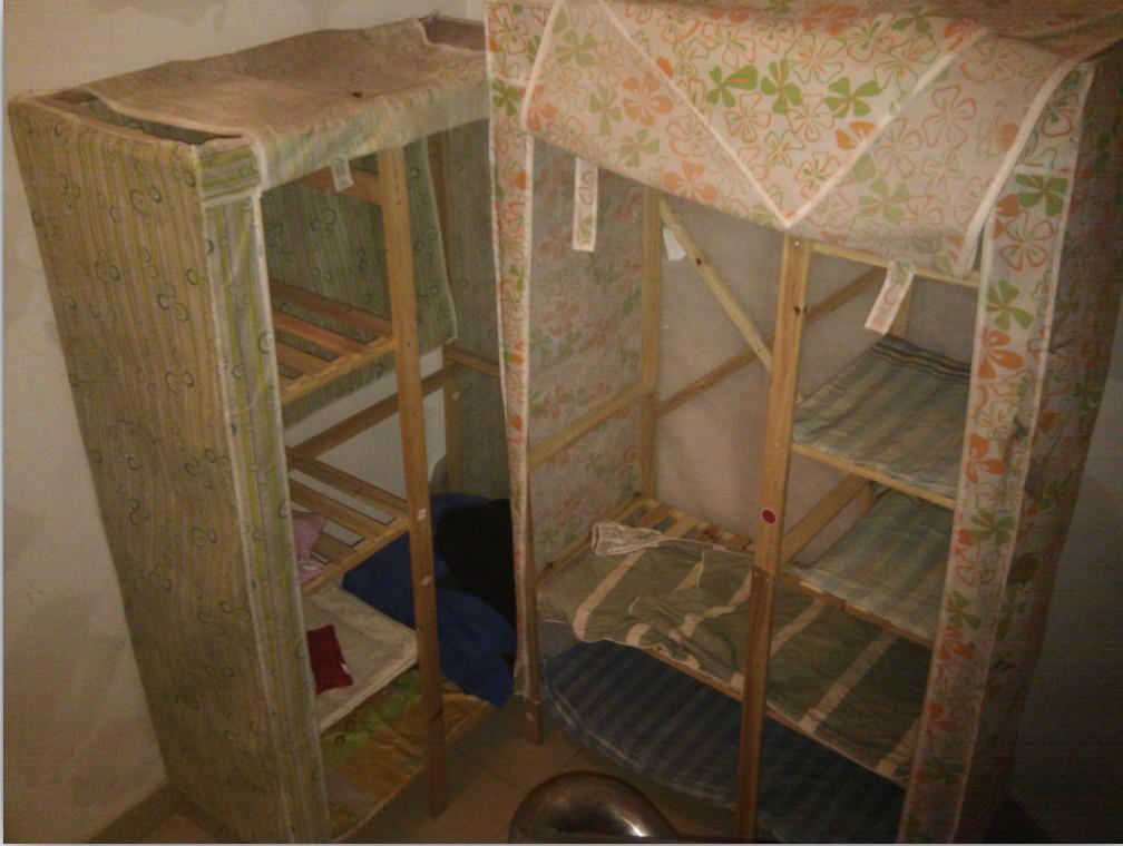 简易衣柜2个