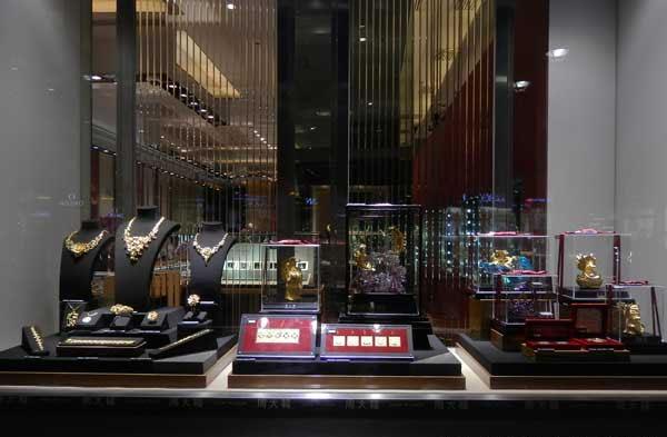 上海周大福橱窗设计