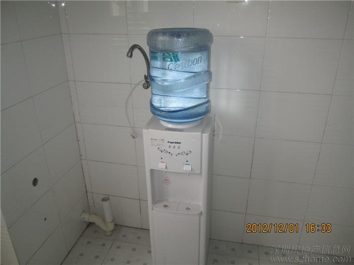 饮水机,至少九成新,安吉尔的